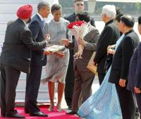 Obama lands in Mumbai; to address business meet
