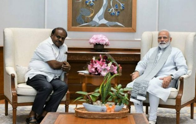 HDK meets Modi; seeks early release of Rs 2,064 cr drought relief for rabi season