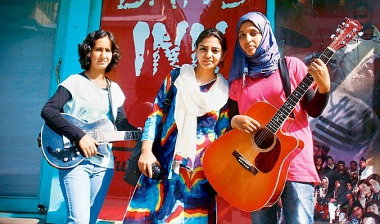 J&K band member flees to B'lore; abusers booked
