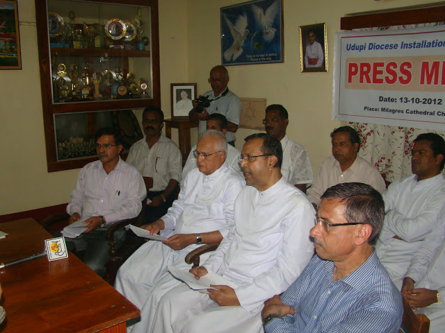 Very Rev Fr. Stany B. Lobo invited press meet at Milagres