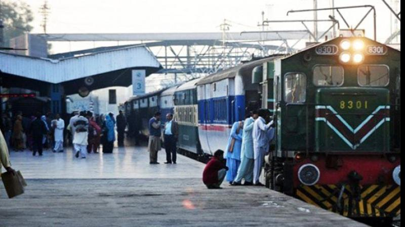Pakistan closes Samjhauta Express train service with India