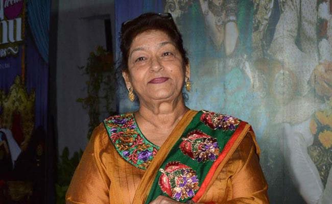 Veteran Bollywood Choreographer Saroj Khan(71) no more