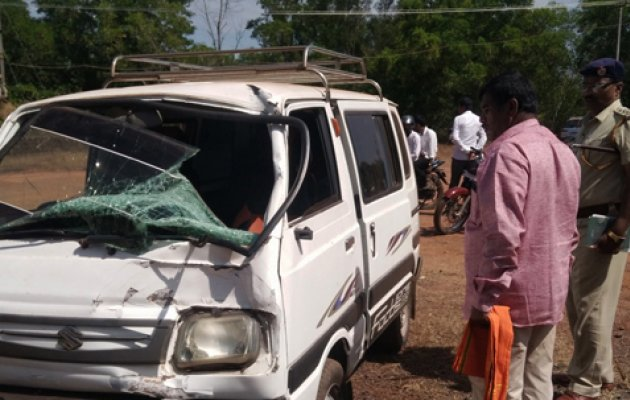 Ayyappa devotee loses life after being hit by a van