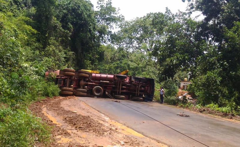 Neerakatte: Lorry topples; traffic hit for five hours
