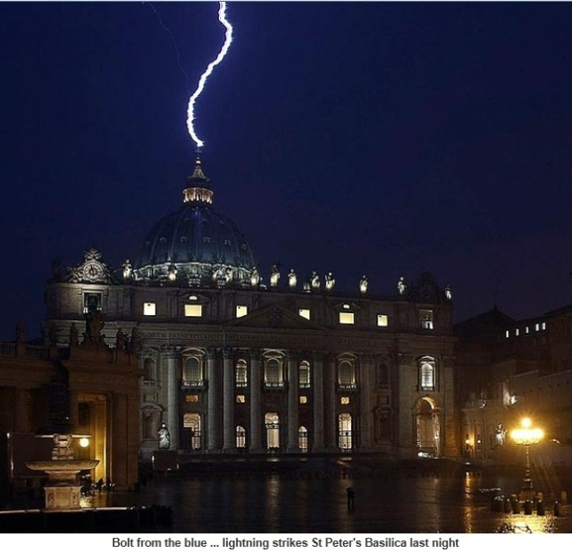 Vatican struck by lightning hours after the Pope quits