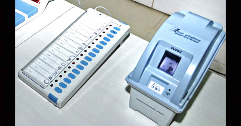 Snake inside VVPAT machine holds up polling in Kannur