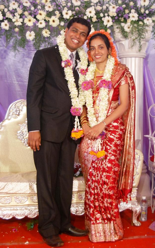 Kemmannu Com Happy First Wedding Anniversary To Tina And Lancen Crasta